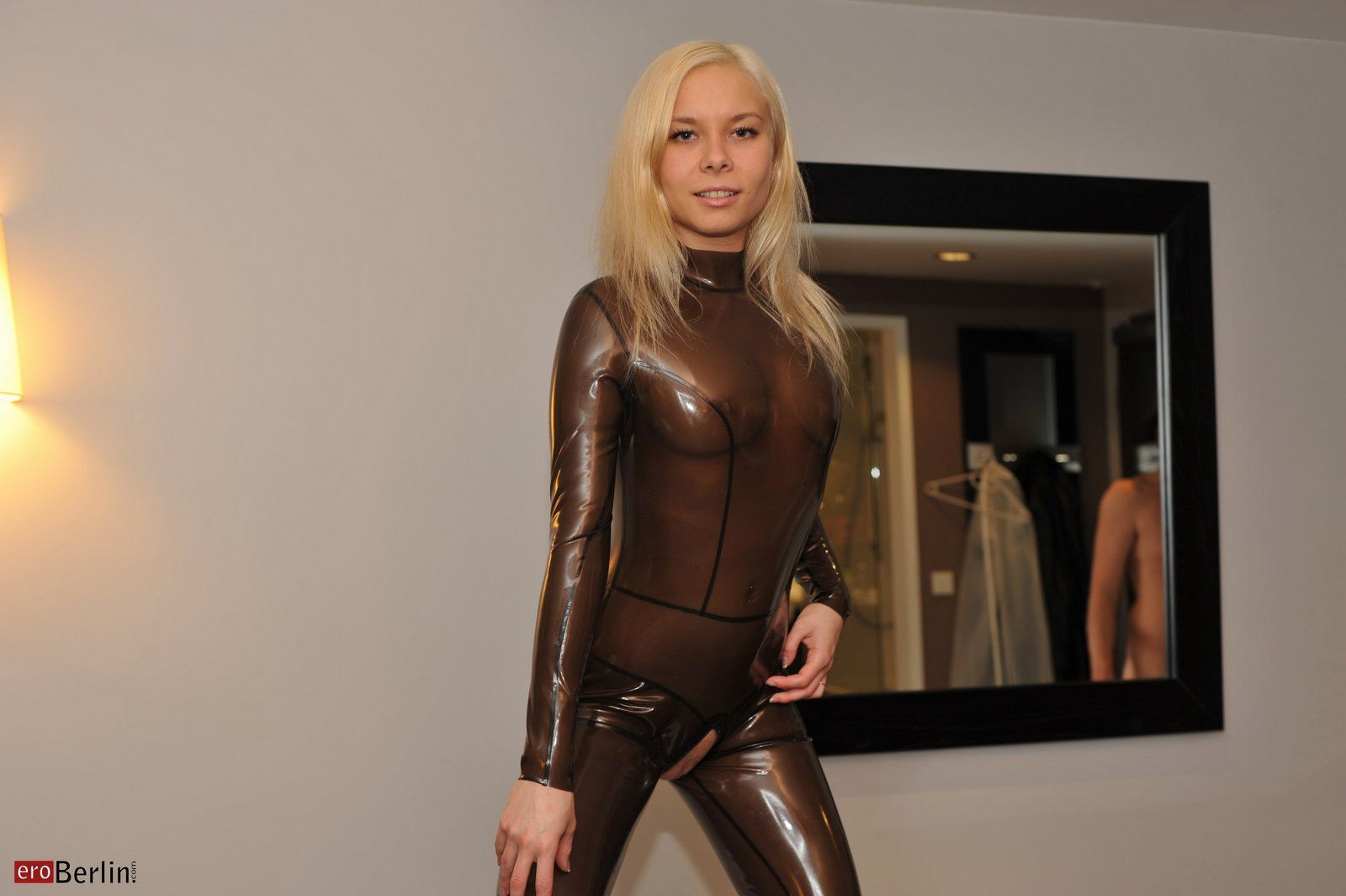 Latex Videos Kostenlos